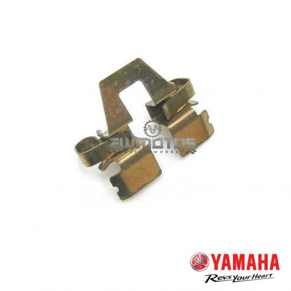 Chapa Pinça Guia Yamaha DTR 125